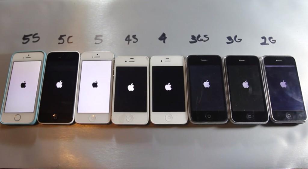 В каком году вышел айфон 4s